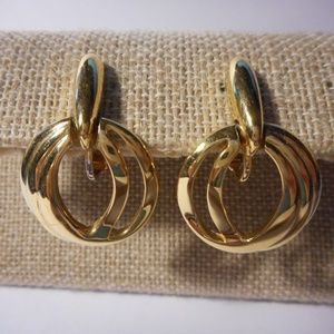 Trifari Gold Tone Door Knocker Clip Earrings